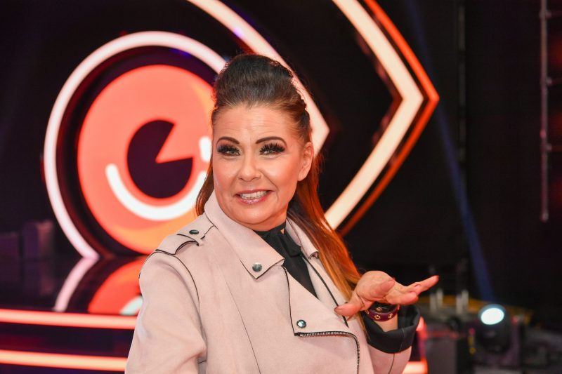 Sanin Euroviisu suosikit ja haukkuu Italian kappaleen lyttyyn