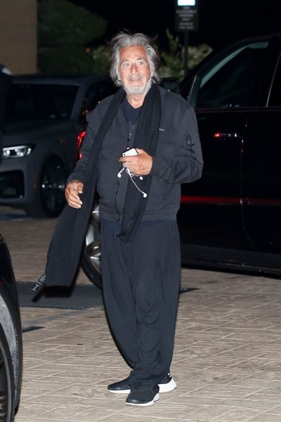 Al Pacino rennoissa tunnelmissa menossa ravintolaan