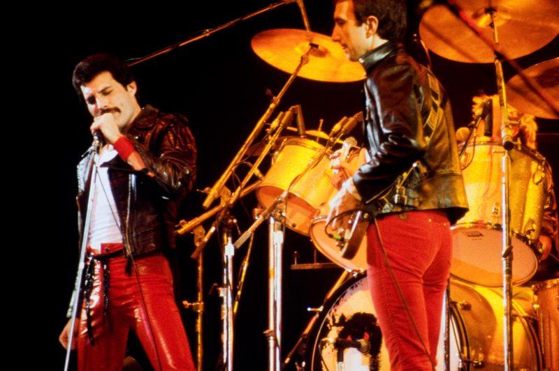 Queenin ja David Bowien klassikkokappale syntyi vahingossa: kuin surkeiden sattumusten sarja