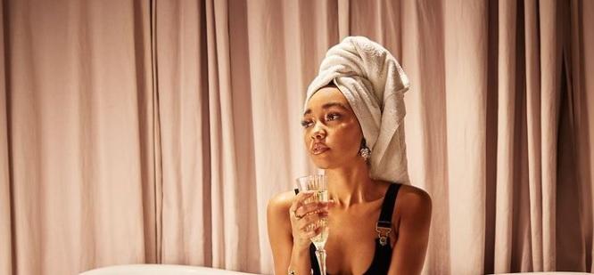 Tyttöbändistä tuttu kaunotar täysin ilkosillaan Instagramissa