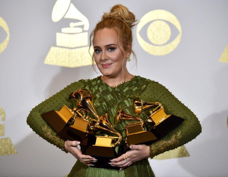 """Adelen uuden albumin julkaisupäivä sinetöity - musiikkia """"sekamelskan labyrintista"""""""