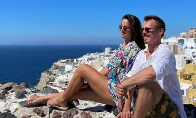 Jasper Pääkkösen Alexandra-rakas lekotteli auringossa vauvamasuineen: upea lomakuva Kreikasta
