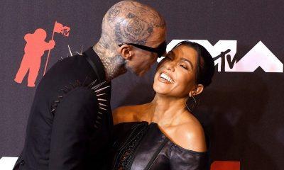 Kourtney Kardashian ja Travis Barker kihloissa: superromanttinen kihlauskuva julki
